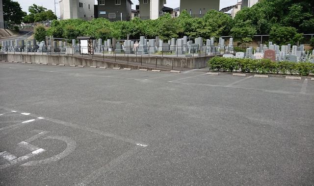 京田辺市営大住霊園-04−駐車場
