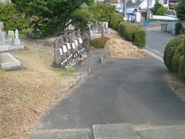 奈良市営七条町南山墓地−六地蔵