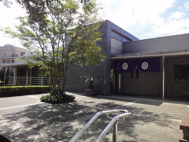 東京多摩霊園−管理棟