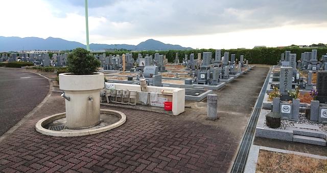 広陵町営石塚霊園−中心(給水設備)