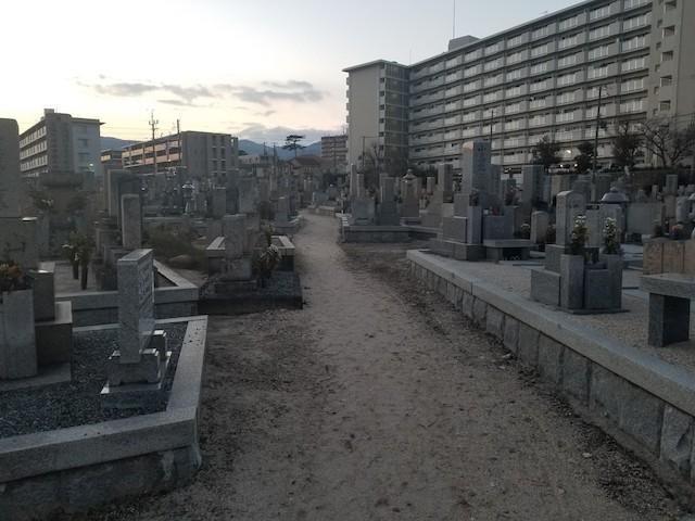 段上墓地04