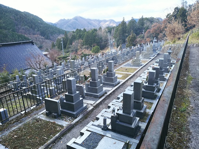 徳林寺墓苑01