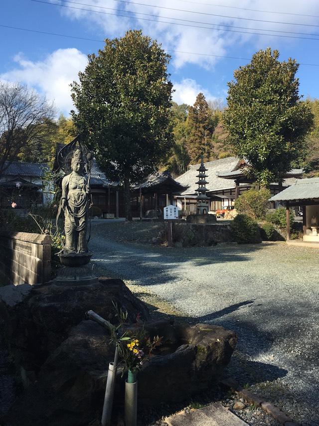 霊岩寺墓苑12