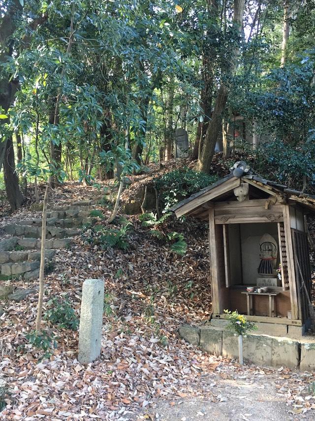 霊岩寺墓苑11