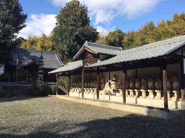 霊岩寺墓苑10