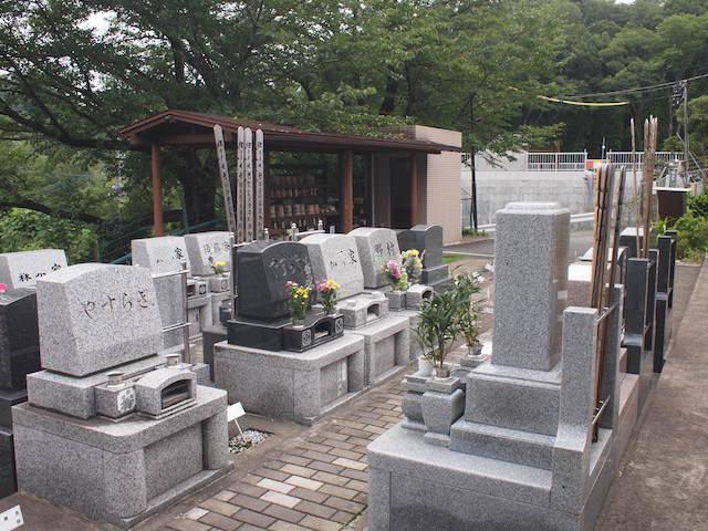 黒川光墓苑01