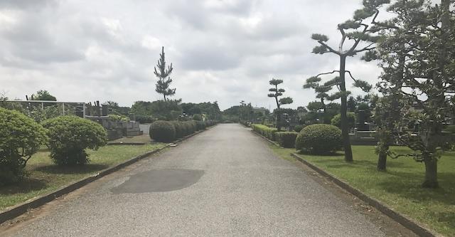 船橋市営 馬込霊園−霊園内メイン通路