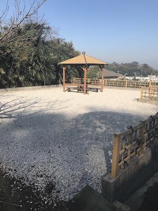 大泉寺墓地−あずまや2