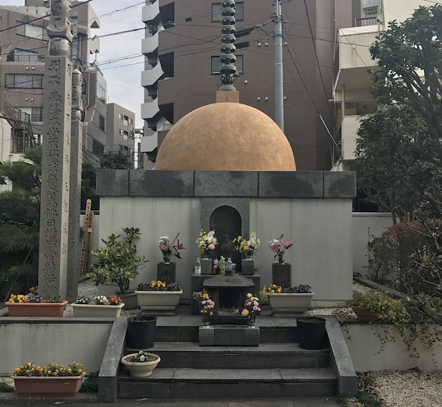 観音寺墓地−永代供養墓