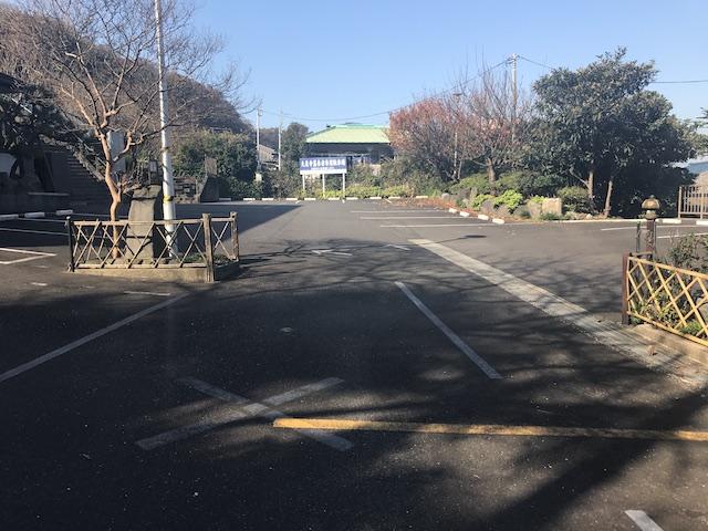 大泉寺墓地−駐車場