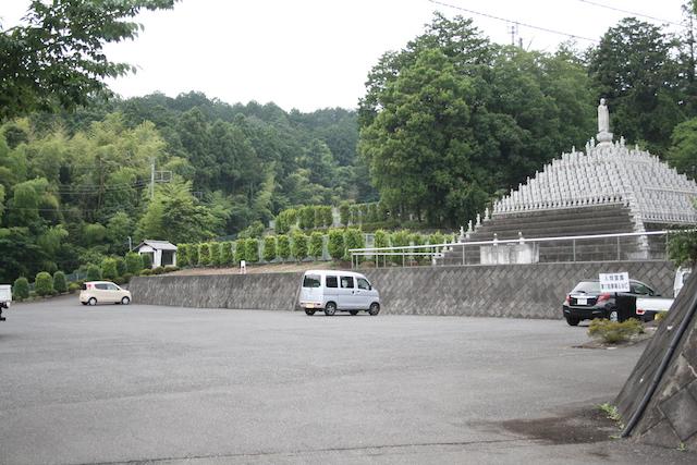 入間霊園−駐車場
