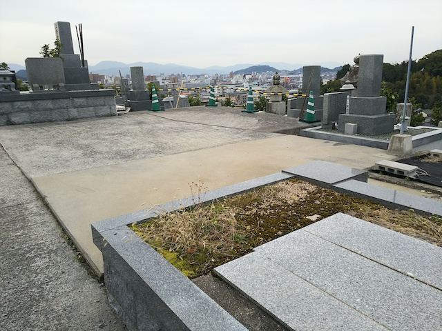 松山市営 谷墓地06