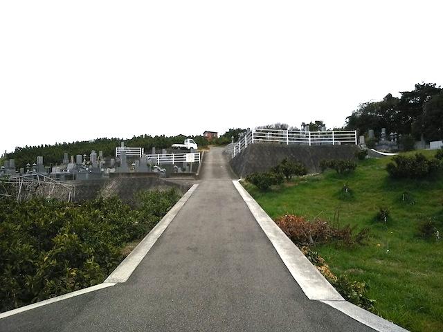 松山市営 谷墓地01