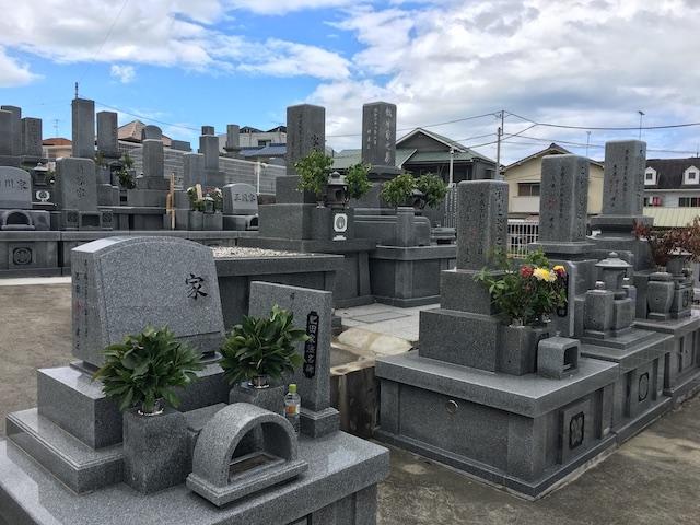 宝塔寺墓苑01