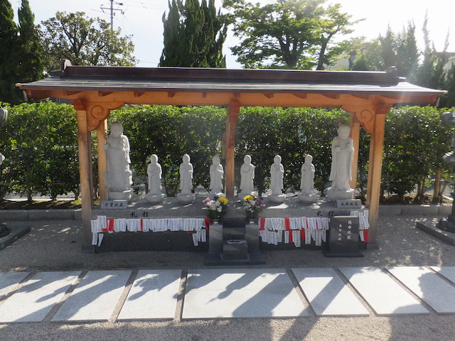 鳥取県凉善寺墓地03