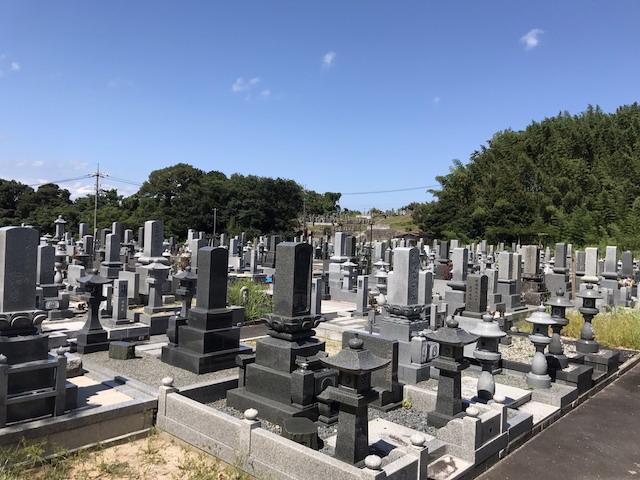 伯耆町町営公園墓地04
