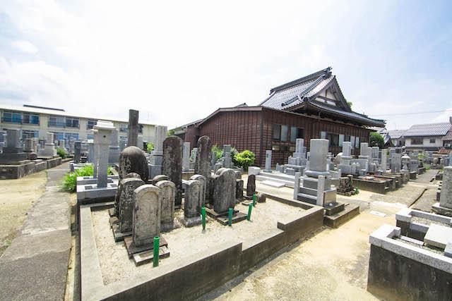 新品治墓地(学成寺)4