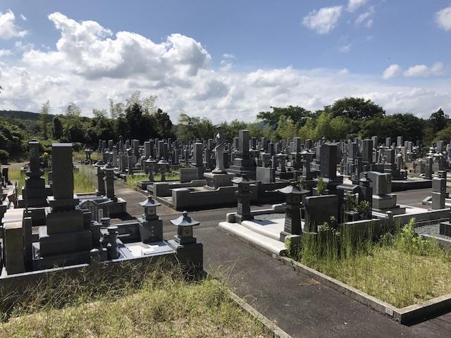 伯耆町町営公園墓地05